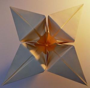 Fleur de papier en origami